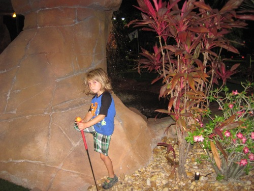 mini golf kid